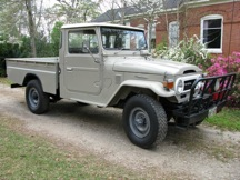 1976 Toyota Land Cruiser FJ45 Pick-Up